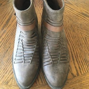 Volatile brown ankle boots booties cowboy size 8.5